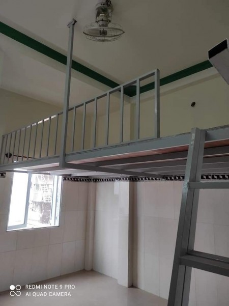 Phòng trọ vừa mới xây dựng mới tinh, có gác rộng không đụng đầu, có nhà vệ sinh, 27m2