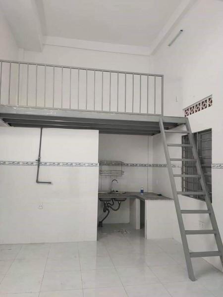 Chỉ còn 1 phòng cho thuê gần Công Thương, phòng mới tinh có bếp và nhà vệ sinh trong phòng, 24m2