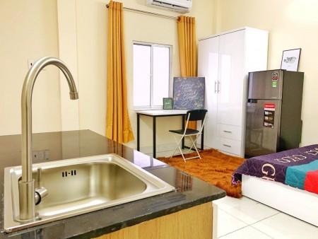 Cho thuê phòng trọ tại trung tâm Bình Thạnh, đầy đủ tiện nghi nội thất, 24m2