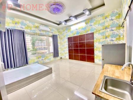 Cho thuê phòng trọ rộng 50m2, đầy đủ tiện nghi, nội thất, cửa sổ lớn siêu mát tại Tân Bình. Lh để biết thêm về giá nhé, 50m2