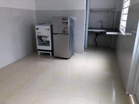 Cho thuê phòng trọ mới, có sẵn máy lạnh, tủ lạnh, phòng mới tinh tại Thủ Đức, 26m2