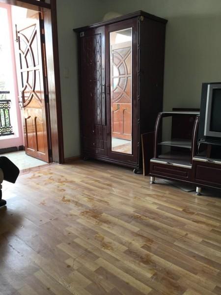 Phòng trọ mới xây, trên lầu 2, sạch sẽ, thoáng mát, đi chuyển lên phòng bằng thang máy, 28m2