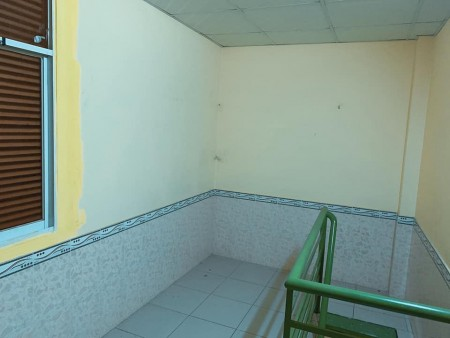 Còn phòng cho thuê chỉ 1tr3/tháng, có gác rộng Phạm Thế Hiển Quận 8, 15m2