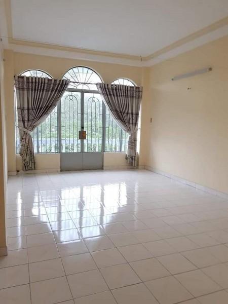 Cho thuê phòng trọ tại giao Nguyễn Oanh và Phan Văn Trị, phòng rộng có cửa ban công, 28m2