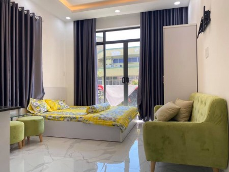 Phòng trọ vừa xây xong mới tinh, đủ nội thất hiện đại sạch sẽ, ban công cửa sổ thoáng mát, 25m2