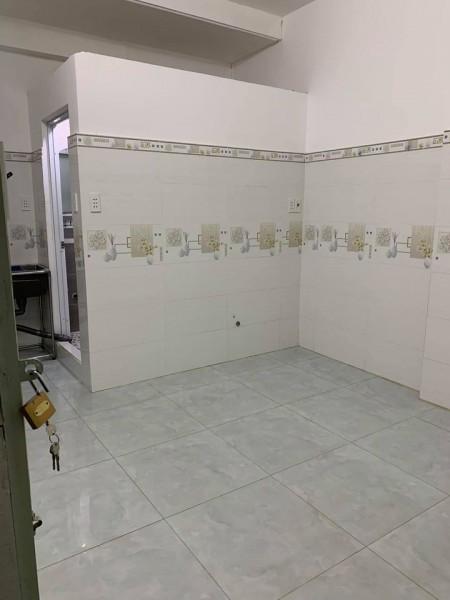 Cho thuê phòng trọ có máy lạnh, ra vào cửa khoá vân tay, camera, hầm để xe, không chung chủ, 27m2