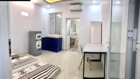 Phòng trọ cần cho thuê, full nội thất: nệm, kệ bếp, tủ đồ, bàn ăn, máy lạnh, 28m2