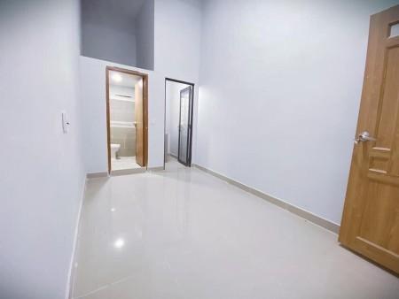 Cho thuê phòng trọ tại quận 3, có máy lạnh, kệ bếp, thoáng mát, không chung chủ, 25m2