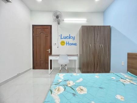 Cho thuê phòng trọ mới xây tại Phú Nhuận, có thang máy, giờ giấc tự do, cửa khóa vân tay, 25m2