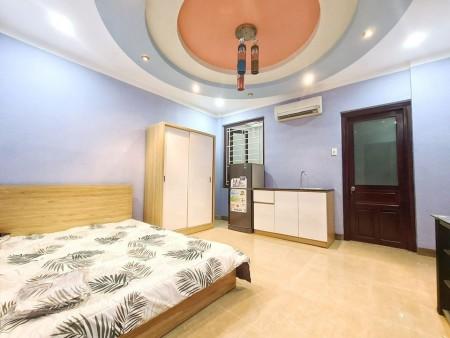 Cho thuê phòng trọ cao cấp tai Phú Nhuận, full nội thất: máy lạnh, tủ lạnh, tủ quần áo, giường nệm, 28m2