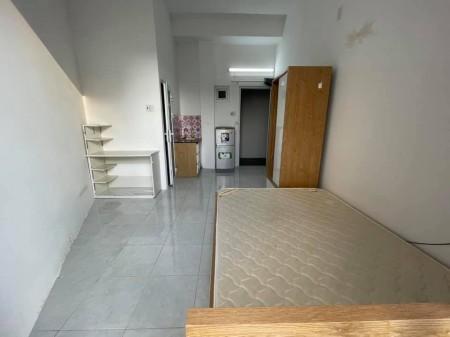 Cho thuê phòng trọ tại quận 10, có ban công, đầy đủ nội thất, có khu giặt phơi riêng miễn phí, 25m2