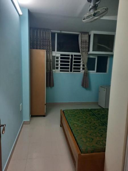 Cho thuê phòng tại quận 1, phòng có cửa sổ lớn nên thoáng mát, full nội thất, giờ giấc tự do, 25m2
