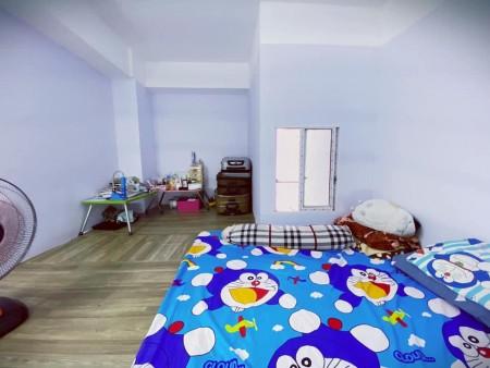 Cho thuê phòng có gác tại Tân Bình, có gác rộng rãi, có cửa sổ thoáng mát, có thang máy, 35m2