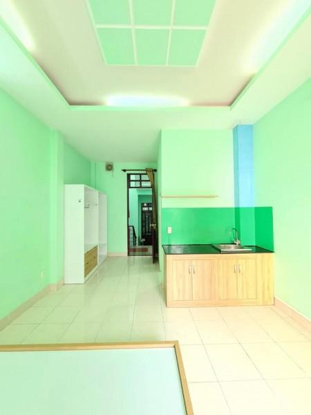 Cho thuê phòng siêu đẹp gần sân bay quận Tân Bình, phòng có ban công cửa sổ thoáng mát, 28m2