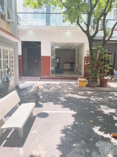 Cho thuê hòng cao cấp mới xây full nội thất tại Tân Phú, nội thất: máy lạnh, tủ lạnh, tủ bếp kệ bếp, 20m2