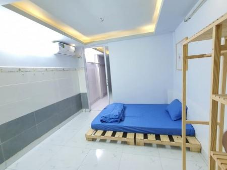 Cho thuê phòng trọ ngay trung tâm thành phố, full nội thất: Nệm, tủ lạnh, máy giặt, máy lạnh, tủ đồ, 25m2