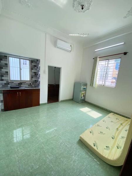 Cho thuê phòng trọ tại quận 1, full nội thất, phòng thoáng mát, sạch sẽ, yên tĩnh, 25m2