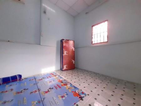 Phòng mới xây cho thuê tại quận 10, có máy lạnh, cửa sổ, nhà vệ sinh riêng, giờ giấc tự do, 25m2