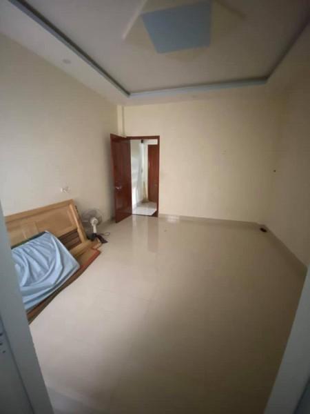 Cho thuê phòng gần chợ Hiệp Bình, camera an ninh,cửa ra vào khóa cẩn thận, 25m2