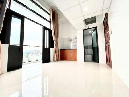 Cho thuê phòng trọ tại Tân Bình, có thang mát, vân tay, nội thất đầy đủ, ánh sáng tự nhiên, 25m2
