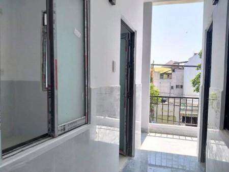 Cho thuê phòng trọ tại Tân Bình, phòng có gác rộng, cửa sổ thoáng mát, không gian bếp ăn rộng rãi, 25m2