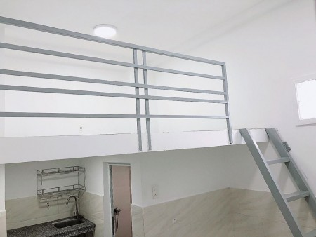 Phòng mới, có gác, tiện nghi, an ninh cho thuê tại Tân Phú, gác rộng rãi, có máy lạnh, kệ bếp, 25m2